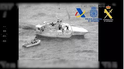 Interceptan un velero con 200 kilos de hachís frente a la costa de Almería