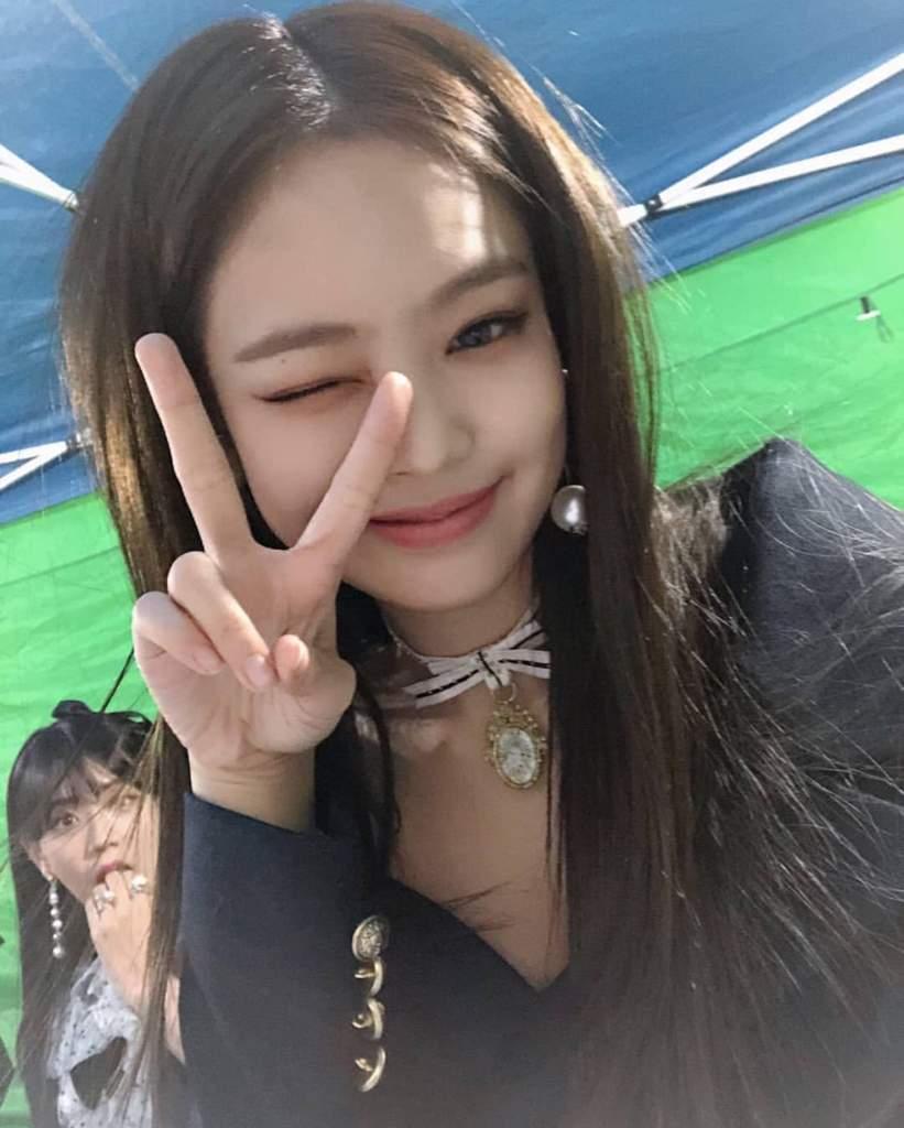 jennie selfie game 3