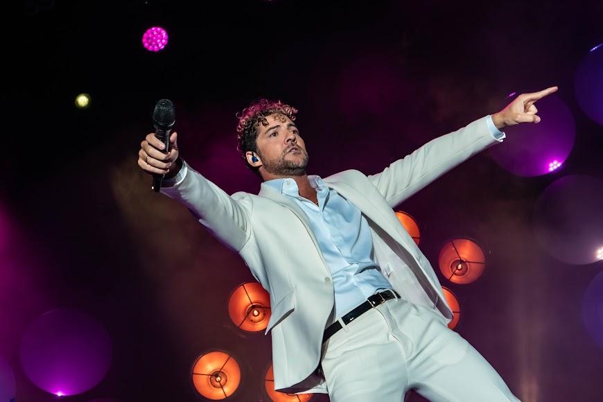 El cantante quiso que el público cantase con él algunos de sus hits