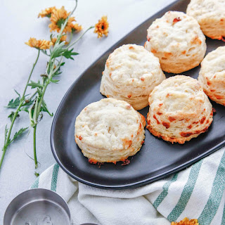 Garlic Cheddar Flaky Biscuits Recipe