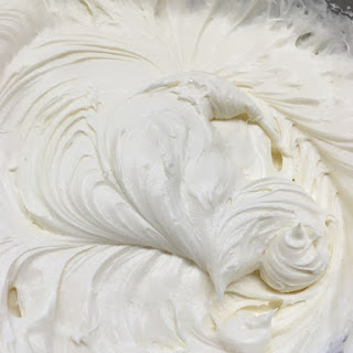 Insanely Delicious Cream Cheese Frosting Recipe