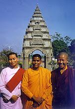 Photo: Dharma friends from many lands: Ven, Pannayawati of Nepal, Ven. Sudarsana of Sri Lanka, Sra. Sonam Wangmo of Bhutan.