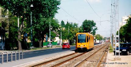 Photo: 14 mei. Boedapest. Tram voor Hotel Eben.