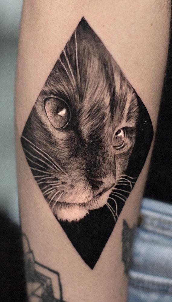 ลายสักแมวขาวดำ8