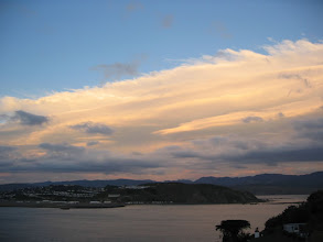 Photo: Late afternoon wave cloud to the east of Wellington - 5:59pm, 11-Sep-04