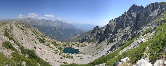 Photo: v popredí jazero Lac d´Oro, vpravo Monte d´Oro (2 389 m)
