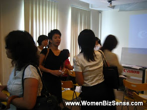 Photo: More networking in action.