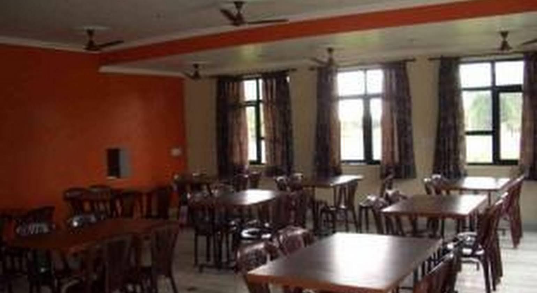 Gaurav Hotel, Goverdhan