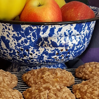 Apple Oatmeal Cookies #AppleWeek