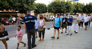 Control de temperatura a los aficionados antes de entrar a la Plaza de Toros de Almería.