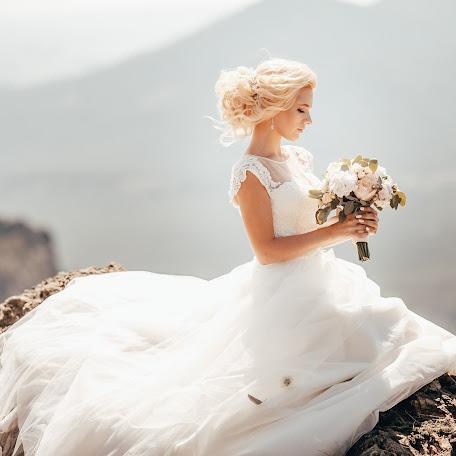 Wedding photographer Evgeniya Ivanova (EmmaSharlot). Photo of 17.01.2018