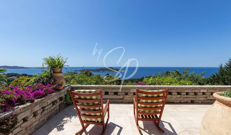 Seaside villa with pool Hyeres