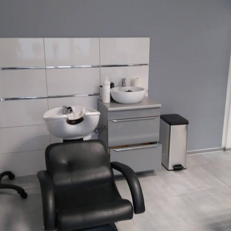 Salon Fryzjerski Wrzos Salon Fryzjerski W Lubinie