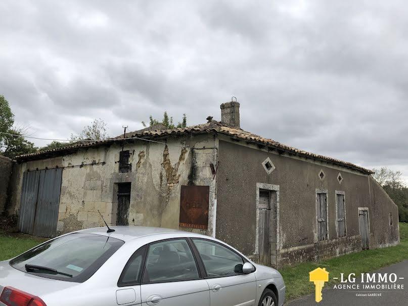 Vente maison  205 m² à Saint-Thomas-de-Conac (17150), 55 000 €