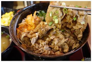 熊吞 日式炭火燒肉丼飯