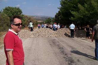 Photo: Allianoi Antik Merkeze yol kapatılmış. Giriş yassah! 26.09.2010 (Sn.Vardar ACAN tarafından çekilmiştir.)