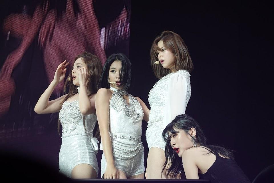 twice chaeyoung nayeon jeongyeon