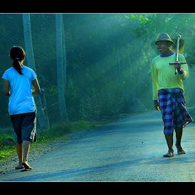 Keramahan Kampungku by Tri Hendro Kusumo - People Street & Candids