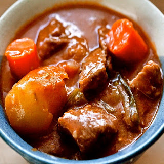 Pungent Beef Stew in Slow Cooker.