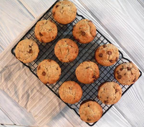 Try These Easy And Delicious Banana Chocolate Chip Muffins