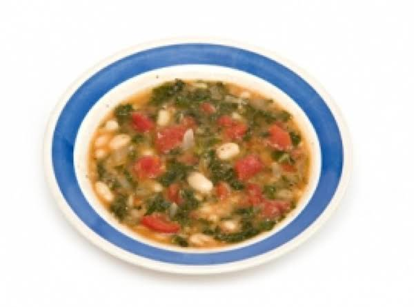 Emeril Lagasse's Tuscan Kale & White Bean Ragout Recipe