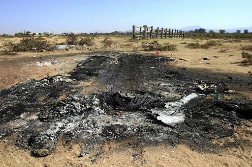 Dorpenaars stenig en verbrand drie mans - SowetanLIVE Sunday World