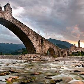 Ponte Gobbo by Federica Violin - Buildings & Architecture Bridges & Suspended Structures ( piacenza, ponte, italia, emilia, bobbio, bridge, landscape, river )