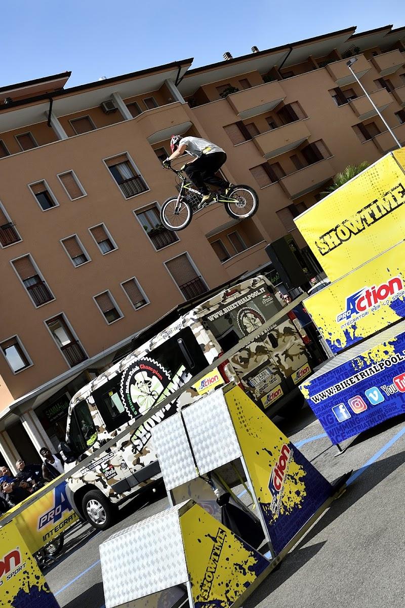 Il salto! di Matteo Faliero