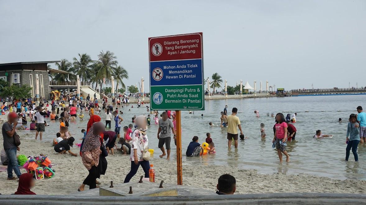 Aturan untuk pengunjung pantai Ancol