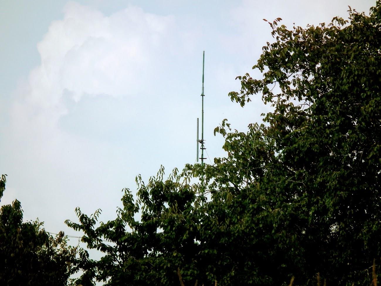 Hatvan/szőlőhegy - helyi URH-FM adóállomás
