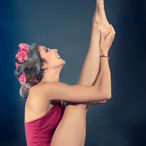 Fit on Yoga by Ralf Eyertt - Sports & Fitness Fitness ( fitness, color, female, woman, artful, ralf eyertt, beauty, yoga,  )