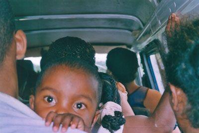 Madagascar - Interno di un taxi-brousse