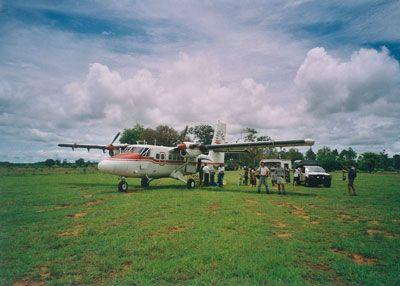 Madagascar - Sosta all'aeroporto-savana di Manja con il twin hotter doppia elica