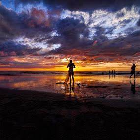 Day's End by Härris McHörrör - Landscapes Sunsets & Sunrises ( canon, fishermen, eos, fishnet, sunset, wide, landscape, beach )