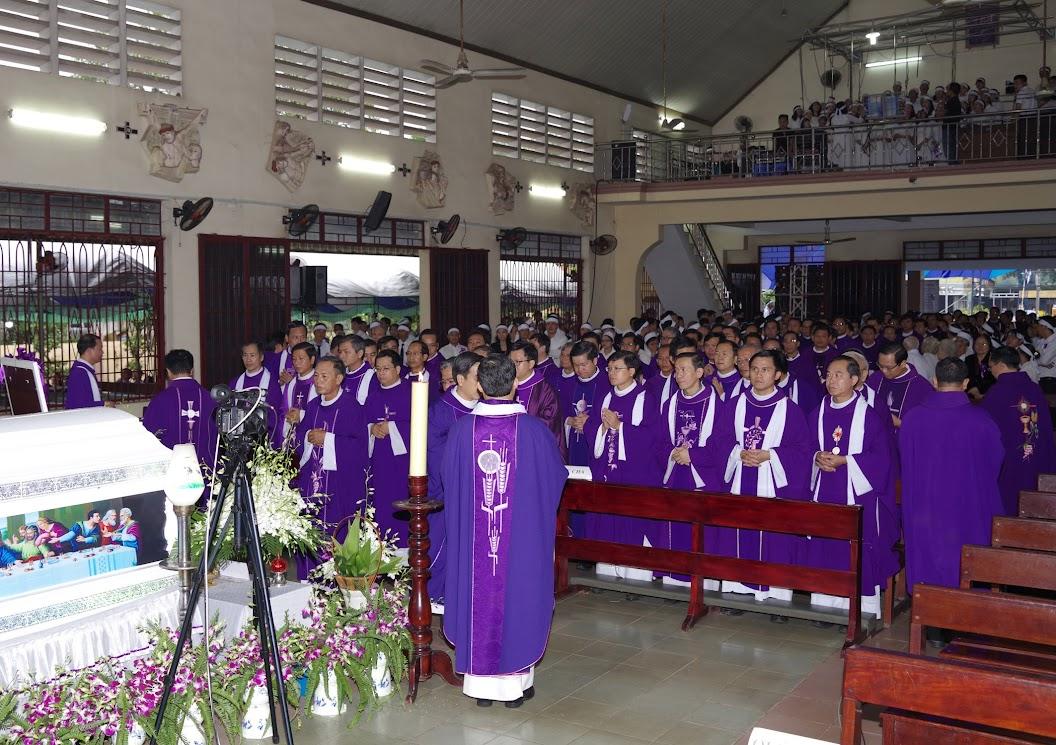 Thánh lễ an táng Cha Giuse Trần Ngọc Tâm - Chánh xứ Xuân Đức - Ảnh minh hoạ 11