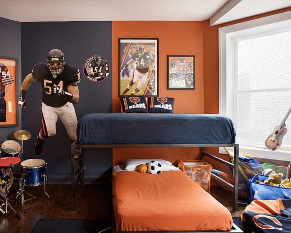 sports-team-bedroom-teenage-boys-brown-navy_blue_orange-football.jpg