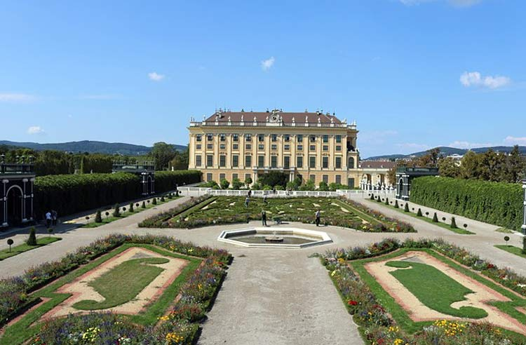 A look at the gardens of Shönbrunn Palace.