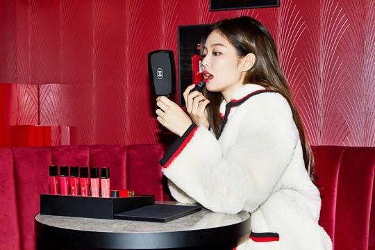Jennie-Chanel-02