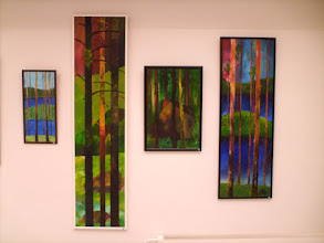 Photo: Kolme puuaiheista öljyvärityötä ja yksi pastellimaalaus.