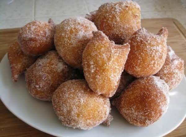 Malasadas - A Portuguese Holeless Doughnut