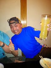 Photo: 顔と似合わない「シャレたお酒」飲んでますね!