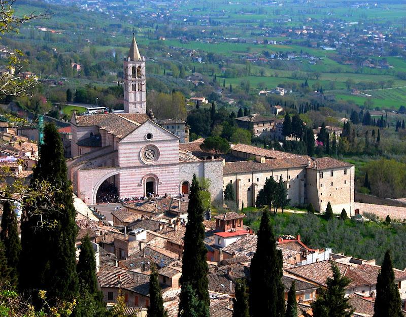 Primavera ad Assisi  di Burghy