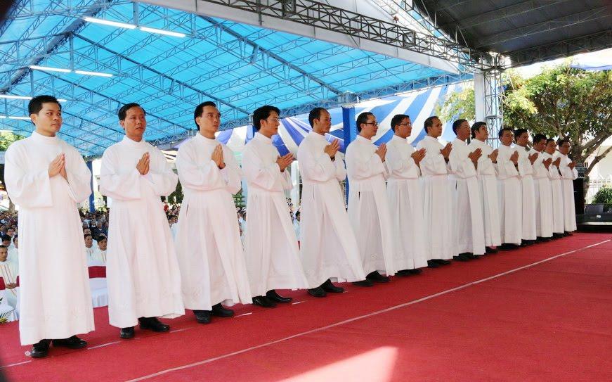 Lễ Tấn Phong chức Phó tế tại nhà thờ Chính Tòa Ban Mê Thuột - Ảnh minh hoạ 15