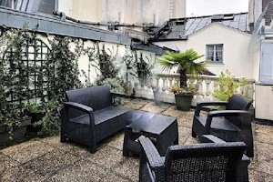 Ideal studio apartment at Luxury & terrace next to Louvre museum/Palais Royal