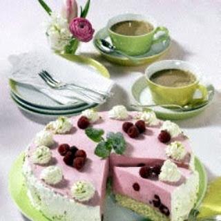 Himbeerbiskuit-Torte