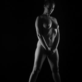lowkey big nude by Reto Heiz - Nudes & Boudoir Artistic Nude ( studio, monochrome, nude, nudephotography, nudeart, lowkey )