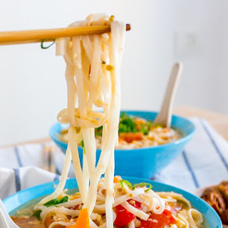 Chinese Tomato and Egg Noodle Soup (番茄鸡蛋面汤) Recipe