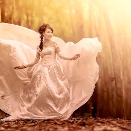 princess has comes by Dimas Winarto - Wedding Bride ( bridal, vintage, brown, bride, women )