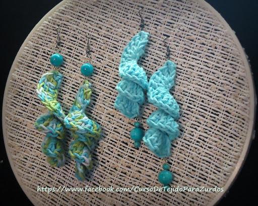 aros bonitos tejidos al crochet ganchillo con detalle de cuentas turquesa