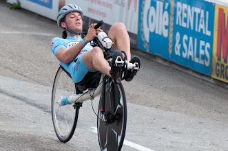 Photo: Rik, de nieuwe rijder van het team HPT Delft reed snoeihard op een 'gewone' Raptobike. Let op de stand van het stuur: hij lag zo plat dat hij niks zag. Dus toen het stuur maar een halve slag gedraaid. Probleem opgelost.